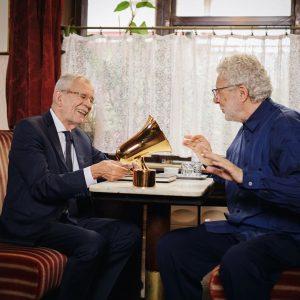 Lieber André Heller, es freut mich sehr, dass Du den Amadeus Award für ...