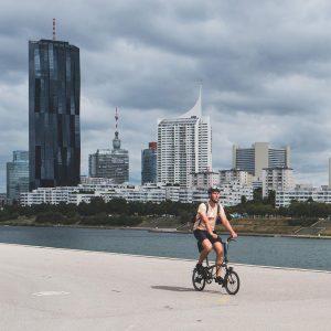 """Vienna post K skladacím < 20"""" bicyklom sme sa dostali tak trošku obkľukou🤔. ..."""