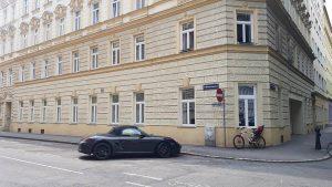 'Black' - #🇦🇹 #Wien #Österreich #Vienna #Austria #city #urban #black #Porsche #car #minimal ...
