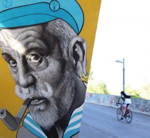 Unter wachsamen Augen geht's hier mit dem #Fahrrad am #Donaukanal entlang. Wo bist ...