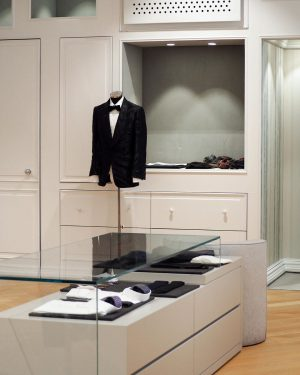 AMICIS outlet: men — find modern brands street style fashion and classic designer evening wear on the...