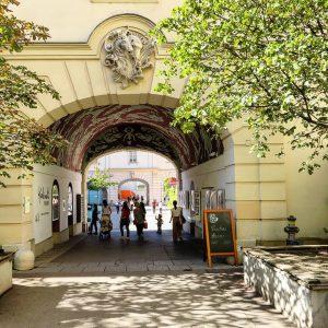 Austria 🇦🇹 Vienna 1070 Neubau Miseumsplatz 1 MQ - MuseumsQuartier Wien * #austria ...