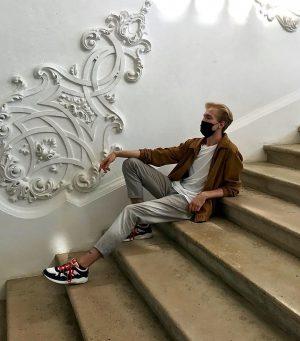Thinking about schnitzel and Klimt in German 🥰 . . . . . . . . #vienna...