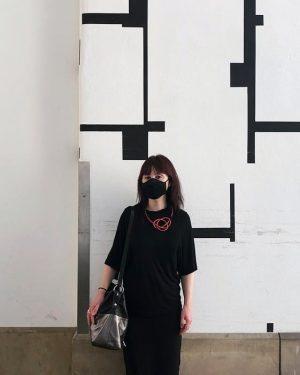 Qualche settimana fa, mascherati a Vienna #facemask #Wien #museumquartier MQ – MuseumsQuartier Wien