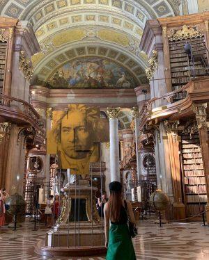#österreichischenationalbibliothek 📖 𝓦𝓪𝓵𝓴𝓲𝓷𝓰 𝓲𝓷 𝓪𝓷𝓬𝓲𝓮𝓷𝓽 𝓔𝓾𝓻𝓸𝓹𝓮𝓪𝓷 𝓫𝓾𝓲𝓵𝓭𝓲𝓷𝓰𝓼 Österreichische Nationalbibliothek