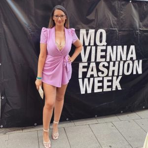 VIENNA FASHION WEEK 💃🏻⁣ ⁣ #mqviennafashionweek #mqfashionweek #fashionstyle #ootd #ootdfashion #pictureoftheday #ad #ads ...