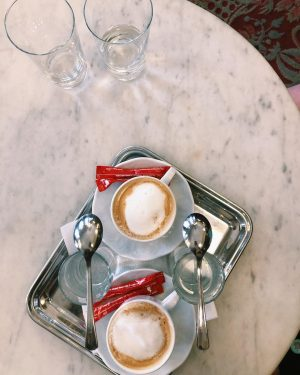 A pretty sweet start! (More foodie shots in stories..before holiday-mode is over). Café ...