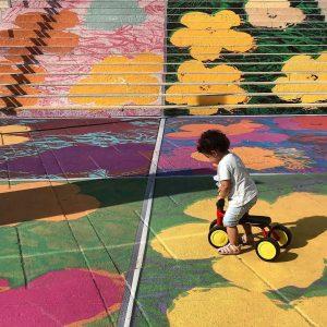Mañana en el Museumsquartier. #mq #museumsquartier #wien #vienna #discoveraustria #sunday #toddler #sundaymornings MQ ...