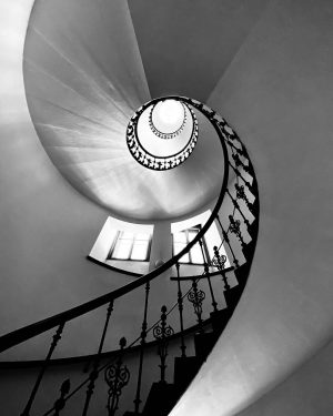 my friday stairs... #total_stairs #stairs #stairmaster #theworldneedsmorespiralstaircases #stairsandsteps #instastairs #sfe_ss #staircases_fireescapes #stairsandsteps_bnw_challenge #bnw_stairs #staircaisefriday #tv_spiralstaircases #staircasehunting #staircaseoftheday...