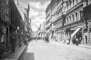 (Um 1900/ÖNB/Wikipedia, Wien Wiki) Piaristengasse (36ff), eine nach 1716 angelegte Verbindung zwischen Lerchenfelder Straße und Florianigasse (bis...