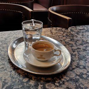 #espressobreak #cafeschwarzenberg #caffeinebreak #kaffeehaus #viennacafe #wienerkaffeehaus #wien #vienna Cafe Schwarzenberg