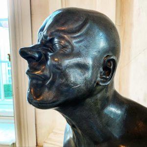 Помимо картин Галерея Бельведер славится своими скульптурами. В частности, бюстами Франца Ксавьера Мессершмидта. Кто бы знал, что...
