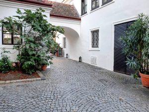 Austria 🇦🇹 Vienna 1190 Döbling Grinzinger Straße 53 Weingut Feuerwehr-Wagner ⭐Unbezahlte Werbung⭐ * #austria #österreich #австрия #visitaustria...