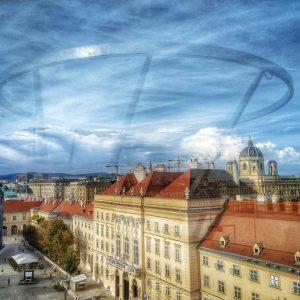 Eine Libelle über Wien MQ – MuseumsQuartier Wien