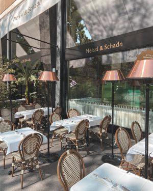 Jak widać na drugim zdjęciu, jestem pierwsza na kolejnego #viennerschnitzel 👸🏼 Meissl & Schadn - Restaurant Vienna