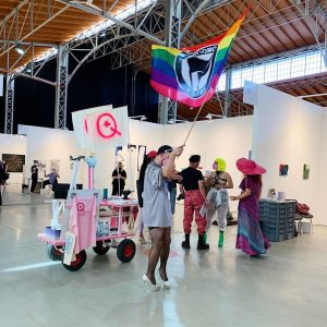 Lighting up the fair with their performance - Queer museum 🏳️🌈 at #viennacontemporary2020 ...