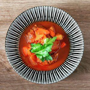 Mhhhhhhhhhh /// Asia Gulasch vom Osso Bucco in Rotwein geschmort und mit Reis ...