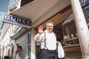Bürgermeister Ludwig beim Interview im Burek-Imbiss Zeljo auf der Thaliastrasse: