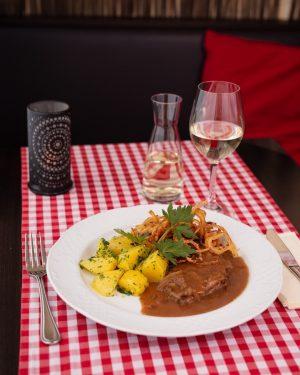 Hier wird's heftig deftig! Wer auf der Suche nach traditionell österreichischer Küche ist, ...