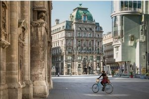 VIENNA CLASSICS Welcome to... Monday night. We have another feature from our Vienna ...