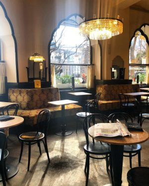 Viennese coffee houses ☕️ #vienna #viennaaustria #vienna_austria #viennanow #igersvienna #viennagoforit #coffeshop #coffehouse #kaffehaus ...