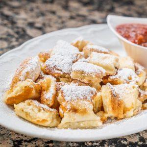 Ein absoluter Dessertklassiker 😍 Unser Kaiserschmarrn freut sich immer höchster Beliebtheit. 😋 Ihr hättet jetzt gerne einen?...