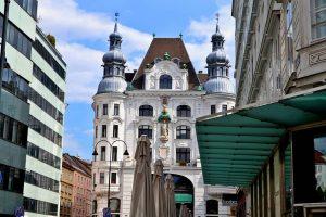#austria #wien #wienliebe #vienna #viennalove #travelvienna #wien #visitvienna #instaphoto #instavienna #viennabuildings #buildings #niceplaces #arcitecture #nikon #nikonphotography #instaphoto...