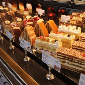 ウィーンで食べたケーキ🍰 ヨーロッパ行きたいな~ #ゲルストナー #gerstner #ウィーン旅行 #ウィーン #ウィーンカフェ #ウィーンカフェ巡り #カフェ巡り #カフェスイーツ #カフェスタグラム #cafe #cafestagram #카페 ##카페스타그램 Gerstner Collection