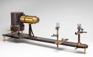 Der Flammentachograph, ca. 1891 von dem deutschen Physiologen Johannes von Kries (1853–1928) entwickelt, ist ein Apparat, der...
