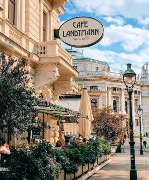 Austria 🇦🇹 📸 @noorofmyeyes Café Landtmann