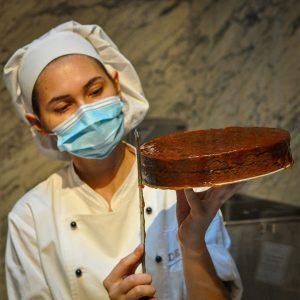 Making a chocolate cake in Covid-19 times, Café Demel, Vienna . #vienna #visitvienna #viennagram #igersvienna #ig_vienna #secretvienna...