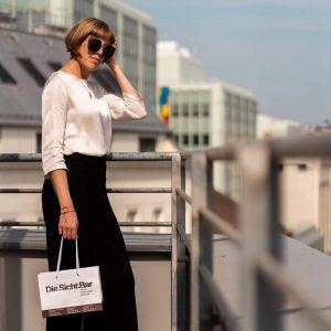 Eine stilvolle Sonnenbrille soll deine Augen vor zu starker Sonneneinstrahlung schützen und gleichzeitig ...