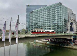 #🇦🇹 #donaukanal #strassenbahn #donaukanalbrücke