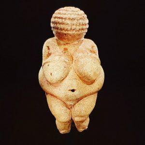 Willendorfska Venera,.stara 29.500 godina NhM Naturhistorisches Museum Wien