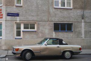 #carsmatchinghomes #photography #stefandraschan #contemporaryart #vienna