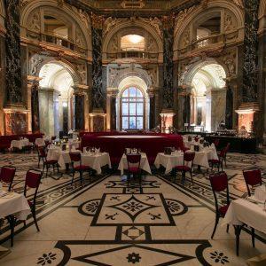 Abenstimmung im Kunsthistorischen Museum Wien 🌜 Sobald wir für unser Dinner vorbereiten, setzt draußen die Dämmerung ein...