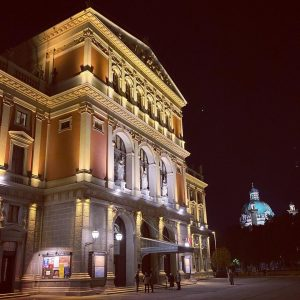 Musikverein by night 🌝🥰 #musikverein #musikvereinwien #wien #night #vienna #austria #igersvienna #evening #concert ...
