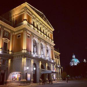 Musikverein by night 🌝🥰 #musikverein #musikvereinwien #wien #night #vienna #austria #igersvienna #evening #concert #concerthall #photooftheday #picoftheday #beautifuldestinations...