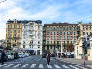 Am Naschmarkt, 1040 Wien 🍍 #beautifulvienna #wienstagram #vienna #wientourismus #cityphotography #citytrip #wienerlove #travel #travelgram #inspiration #instainspo #advertising...