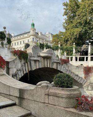 🍁 #autumnvibes in Vienna 🍂 ... ... ... #stadtpark #parc #herbst #herbstgefühle #autumn ...