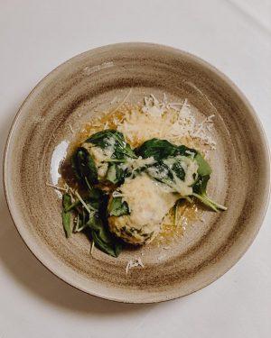 Einmal eine gute Abwechslung zu Schnitzel & Co. - unsere Spinatknödel mit Parmesan ...