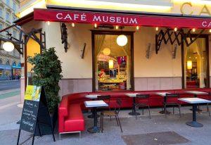 #🇦🇹 #cafémuseum #karlsplatz