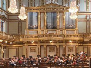 Es wird fleißig geprobt! 😍 Heute und morgen Abend, spielen die @viennasymphony Werke von Mozart, Strauss und...