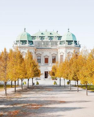 i've waited sooo long to take this picture! belvedere in autumn 🤩🍁 #belvedere ...