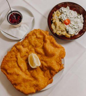Das weltberühmte Figlmüller Schnitzel - unser All-time-Klassiker und ab sofort gibt es uns auch auf @mjam_at. #news...