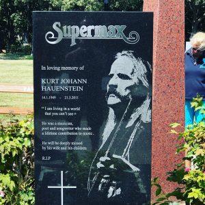 Supermax. Bekanntester Song in den 70er: Lovemachine ! Wiener Zentralfriedhof