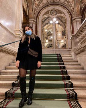 -29h until lockdown 2.0 #maskson #jewelsballet . . . . #oper#opera#wienerstaatsoper#allblack#overknees#corona#lockdown#autumn#sunday#like#begen#lfl#l4l#collab#wien#vienna#zara#zaraoutfit#zarawoman#fancy#louisvuitton#felicie#monogramcanvas#iphone#instagood#fit#blondebalayage Wiener Staatsoper