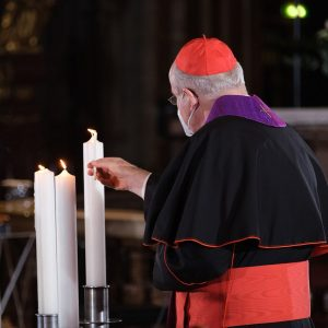 Gestern Abend- ein bewegender und historischer Moment im Stephansdom. Fünf Vertreter verschiedener Kirchen und Religionsgemeinschaften gedenken gemeinsam...
