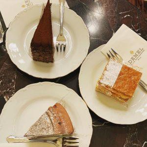 Demel🤎 📍 @demel_wien . . . #cake #cakes #torte #patisserie #sweet #sweets #chocolate #cream #frosting #sugar #baking...