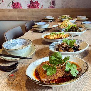 Unsere Speisen eignen sich perfekt zum Teilen 🥰 Bestellt eine Auswahl unserer warmen und kalten Vorspeisen und...